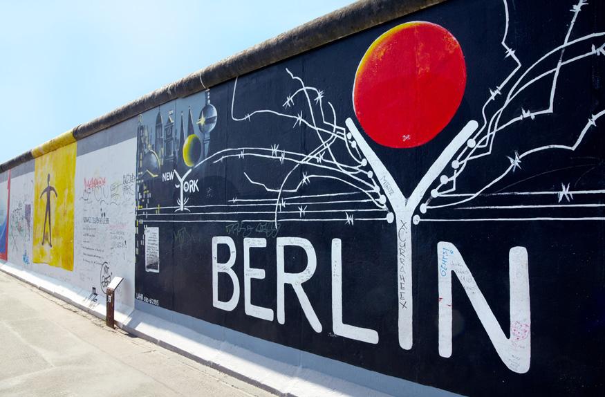 Exposição de grafite no Muro de Berlim