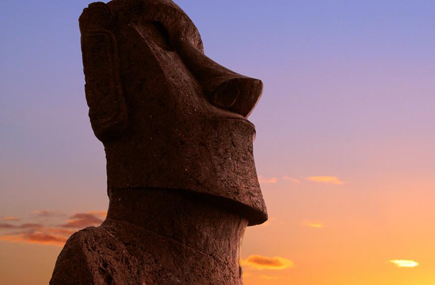 Moai no pôr do sol, Ilha de Páscoa
