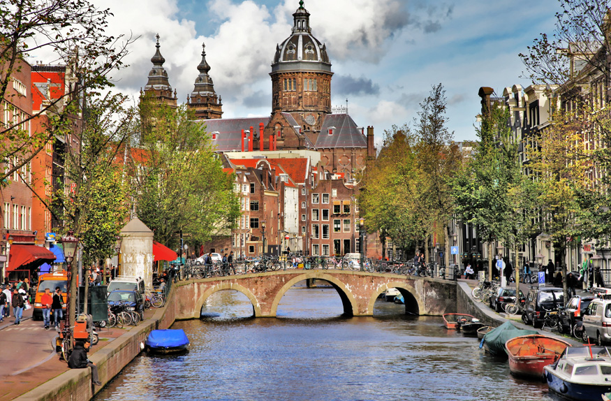 Bonito canal de Amsterdã